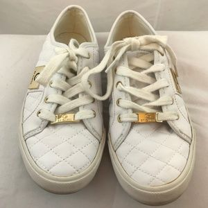 GUESS BACKER2 White Sneakers with Gold Guess Logo